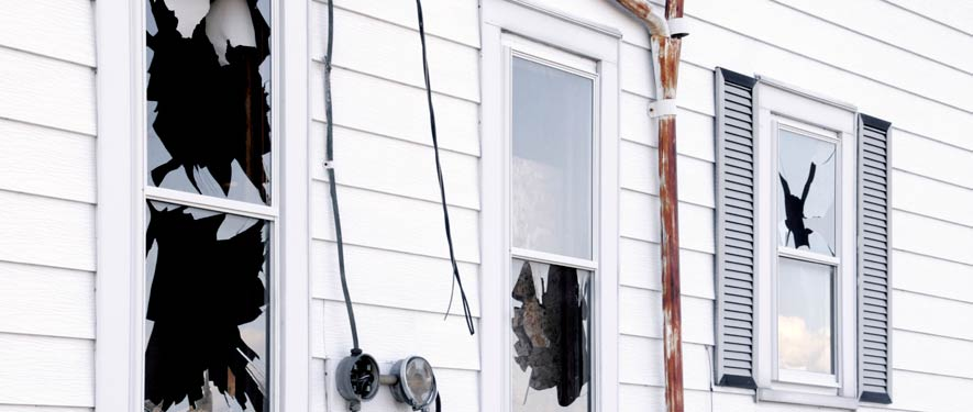 Arlington, MA vandalism graffiti cleanup
